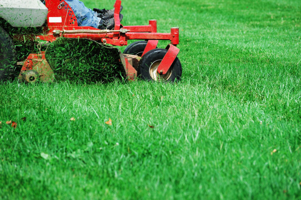 GrassHoppers Commercial Lawn Maintenance